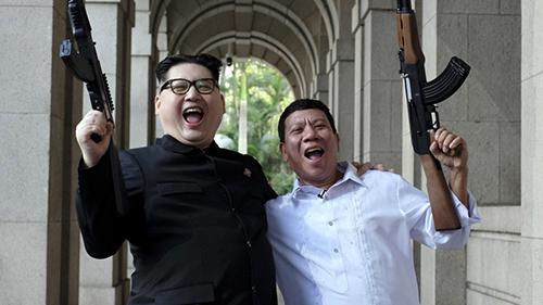 Bản sao của Tổng thống Duterte và lãnh đạo Kim Jong-un tại Hong Kong. Ảnh: SCMP