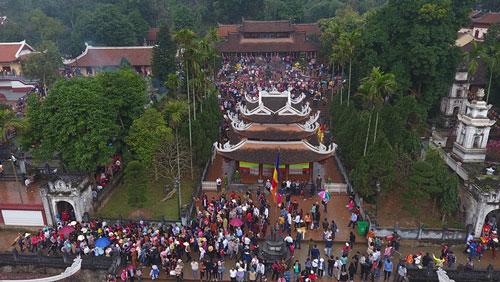 Lễ khai hội chùa Hương năm 2018. Ảnh: Giang Huy.