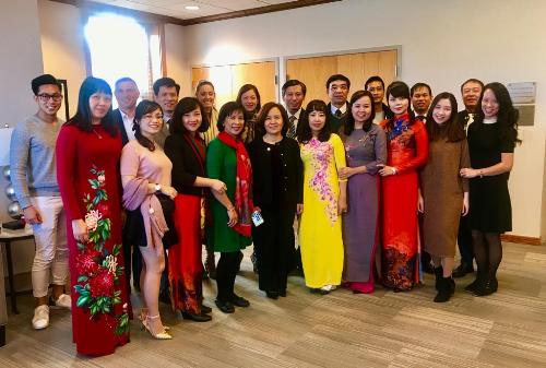 Các thầy cô hiệu trưởng các trường cấp 3 danh tiếng tại Hà Nội nhận lời mời tham quan và làm việc với lãnh đạo trường Đại học Elmhurst.