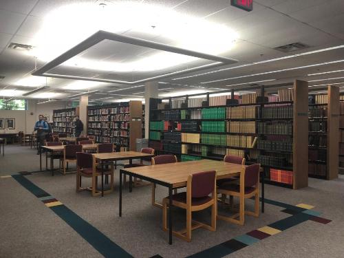 Thư viện trường.