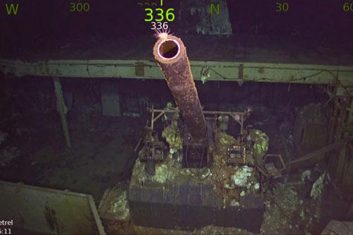 Khẩu pháo trên tàu sân bay USS Hornet vẫn nguyên vẹn dưới đáy biển. Ảnh: New York Post.