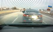 Tài xế dừng ôtô giữa cao tốc để mắng người khác