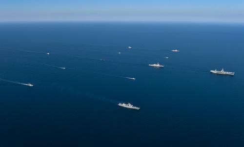 Tàu chiến các nước tham gia diễn tập Sea Breeze 2018. Ảnh: US Navy.