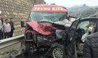 9 người nhập viện sau cú tông trực diện giữa xe khách và xe 7 chỗ