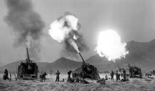 Lính Mỹ tham chiến tại Triều Tiên năm 1950. Ảnh: AP.