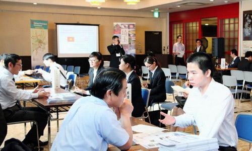 Thực tập sinh Việt Nam trao đổi với các doanh nghiệp Nhật Bản tại Saitama. Ảnh:Vietnamplus