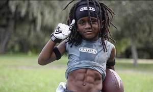 Cậu nhóc 7 tuổi chạy như Usain Bolt