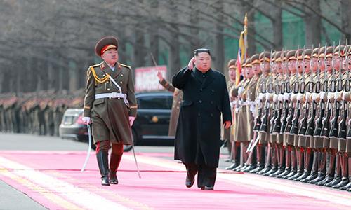 Lãnh đạo Triều Tiên Kim Jong-un tại lễ kỷ niệm 71 năm thành lập quân đội Triều Tiên. Ảnh: KCNA.