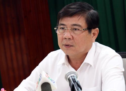 Chủ tịch UBND TP HCM Nguyễn Thành Phong tại cuộc họp. Ảnh: Hữu Công
