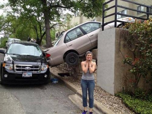 Khi siêu nhân lái xe.