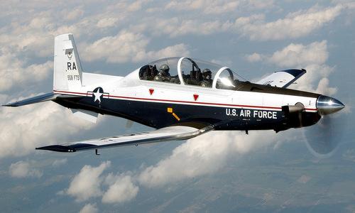 Máy bay huấn luyện sơ cấp T-6 của không quân Mỹ. Ảnh: USAF.