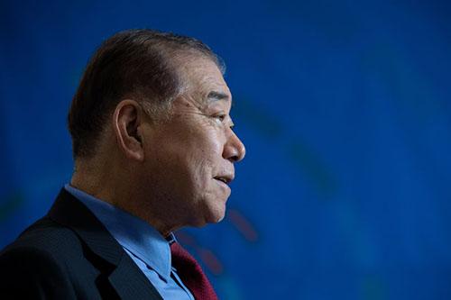 Moon Chung-in phát biểu tại thủ đô Seoul hôm 15/2. Ảnh: Bloomberg.