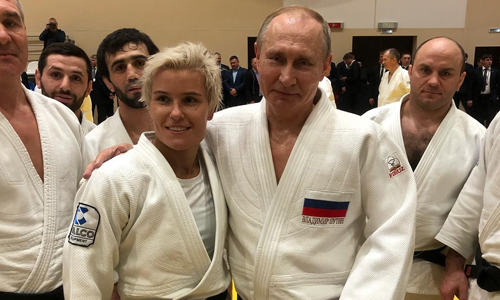 Nữ võ sĩ judo Nga cảm thấy vinh dự khi quật ngã Putin