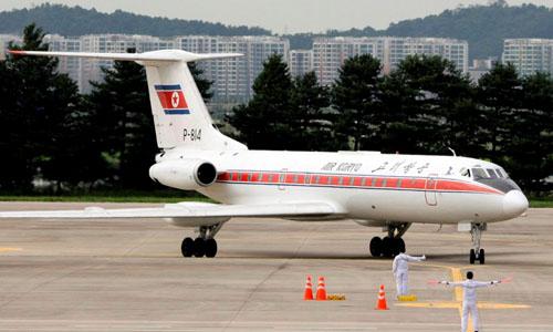 Một máy bay thuộchãng Air Koryo của Triều Tiên chở các quan chức nước này hạ cánh xuống sân bay Gimpo ở Seoul, Hàn Quốc. Ảnh: Reuters.