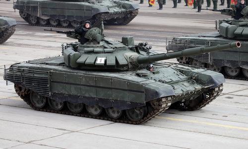 Xe tăng T-73B3 Nga tập duyệt binh hồi năm 2017. Ảnh: Vitaly Kuzmin.