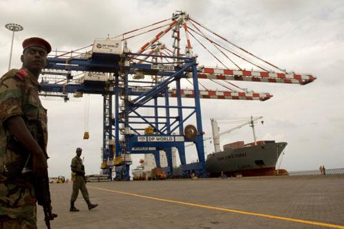 Một cảng biển tại Djibouti, quốc gia nhỏ trên Sừng châu Phi. Ảnh:Reuters.