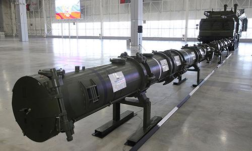 Tên lửa 9M729 và xe phóng được Nga giới thiệu trong họp báo ngày 23/1. Ảnh: TASS.
