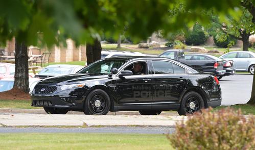 Chữ cảnh sát trên thân xe tàng hình không nổi bật. Ảnh: April Bartholomew/The Morning Call.