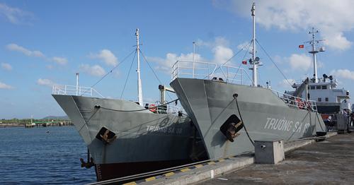 Tàu Trường Sa 08 và Trường Sa 19 của Quân chủng Hải quân. Ảnh: Lê Hoàng