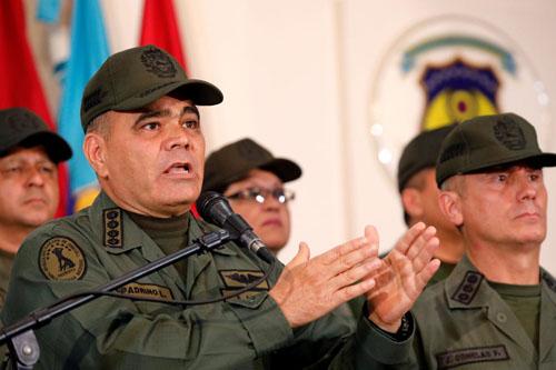 Bộ trưởng Quốc phòngVenezuelaVladimir Padrino (trái). Ảnh: Reuters.