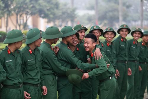 Thanh niên Hà Nội tình nguyện lên đường nhập ngũ năm 2019. Ảnh: Gia Chính