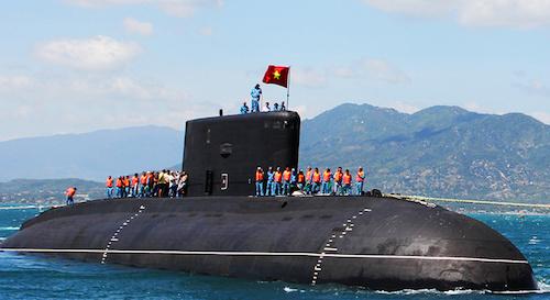 Tàu ngầm 184 Hải Phòng tại Quân cảng Cam Ranh. Ảnh: Hà My