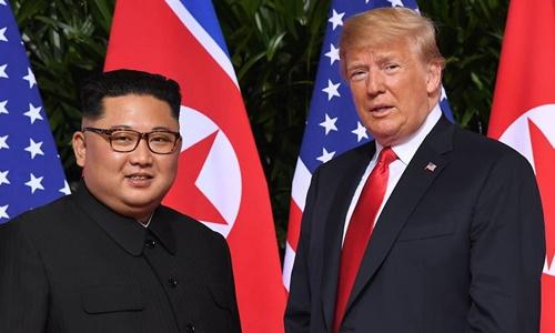 Tổng thống Mỹ Trump và lãnh đạo Triều Tiên Kim Jong-un tại Singapore hồi tháng 6 năm ngoái. Ảnh: Reuters.