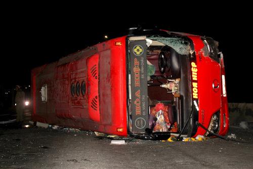 Vụ tai nạn xe khách khiến 20 người bị thương xảy ra tại Bà Rịa- Vũng Tàu hôm 2/2.ẢnhNguyễn Khoa