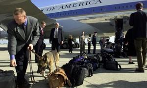 Đội cảnh khuyển hộ tống tổng thống Mỹ khi công du