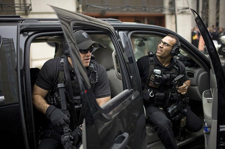 Hai đặc nhiệm thuộc Đội Chống Tấn công bảo vệ tổng thống Mỹ. Ảnh: Defensionem.com.