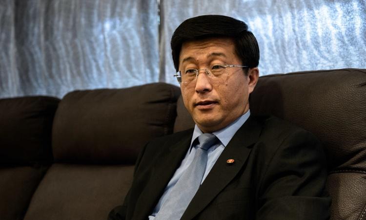 Đặc phái viên Triều Tiên Kim Hyok-chol. Ảnh: KFA.