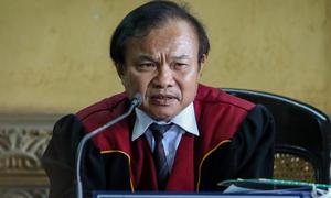 Chủ tọa khuyên bà Lê Hoàng Diệp Thảo rút đơn ly hôn