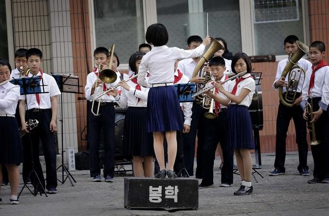Trẻ em Triều Tiên được học những gì ở trường?