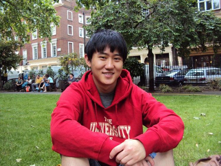 Lee Guy-hun học tại đại học Sheffield, Anh vào năm 2010. Ảnh: NVCC.