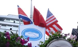 Hà Nội dựng 3.700 cột cờ hòa bình trước thượng đỉnh Mỹ - Triều