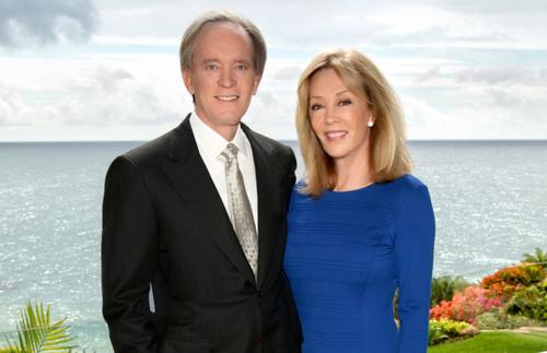 Cặp vợ chồng tỷ phú Bill và Sue Gross từng cùng nhau bỏ ra gần 700 triệu USD làm từ thiện. Ảnh: Cheryl.com.