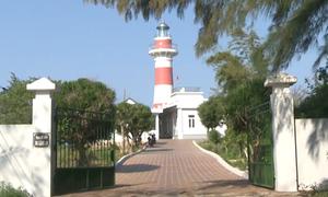 Trạm hải đăng ở Quảng Ngãi thu hút du khách
