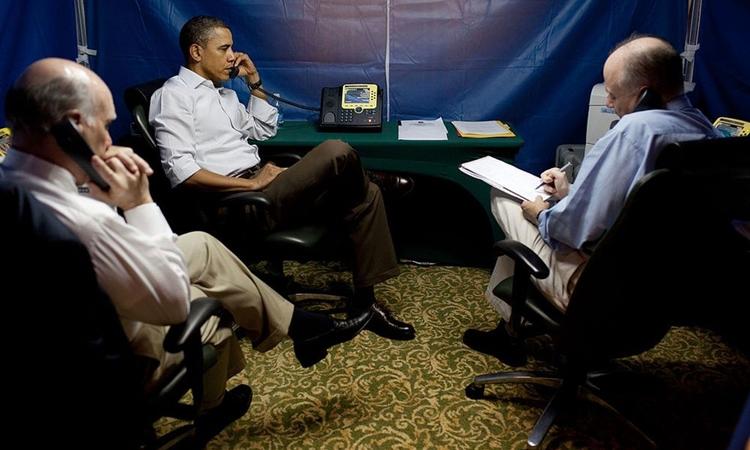 Ông Obama bàn bạc về tình hình Lybia trong lều an ninh được dựng tại Brazil năm 2011. Ảnh:White House.