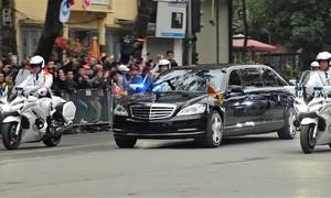Chủ tịch Kim Jong-un rời khách sạn đến Đại sứ quán Triều Tiên