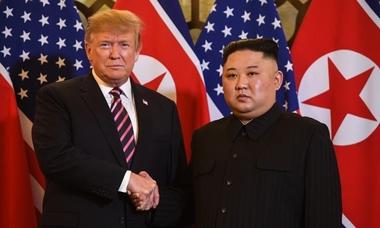 Ngôn ngữ cơ thể Trump - Kim trong cuộc gặp ở Hà Nội