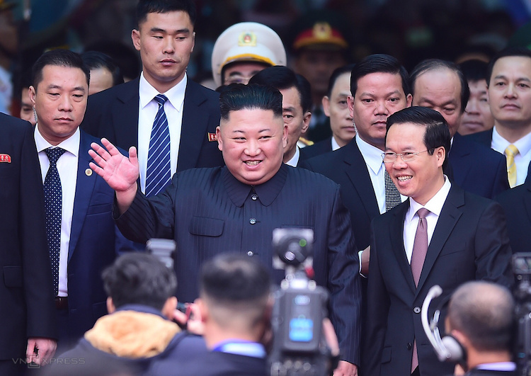 Chủ tịch Triều Tiên Kim Jong-un đến Việt Nam sáng 26/2. Ảnh: Giang Huy