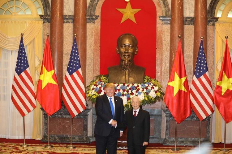 Tổng bí thư Nguyễn Phú Trọng tiếp Tổng thống Mỹ tại Phủ Chủ tịch sáng nay. Ảnh: Ngọc Thành.