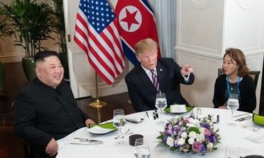 Người phụ nữ hai lần phiên dịch cho hội nghị Trump - Kim