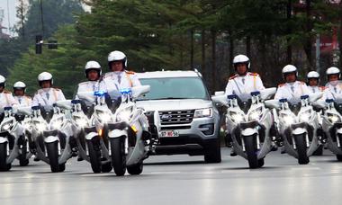 Những môtô đặc chủng dẫn đường cho phái đoàn Mỹ - Triều