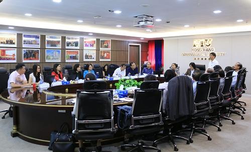 Toàn cảnh cuộc họp Ban điều hành định kỳ tại tòa nhà