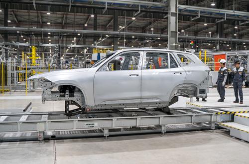 Thân xe trong nhà máy VinFast.