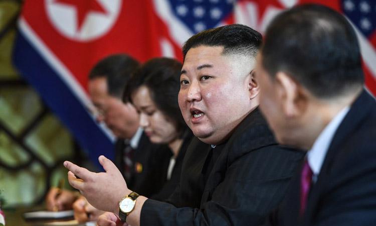 Chủ tịchKim Jong-un trong cuộc họp giữa phải đoàn Triều Tiên và Mỹ tại khách sạn Metropole, Hà Nội hôm 28/2. Ảnh: AFP.