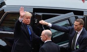 Hơn 40 giờ ở Việt Nam của Tổng thống Trump
