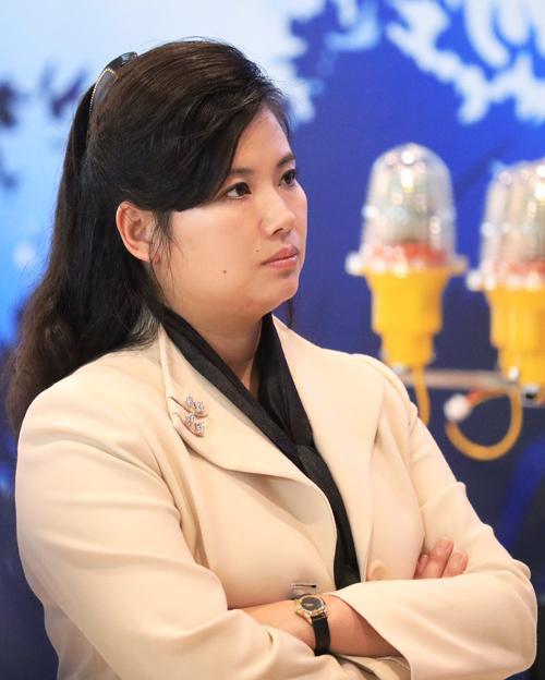 Những phụ nữ tháp tùng Chủ tịch Triều Tiên đến Việt Nam