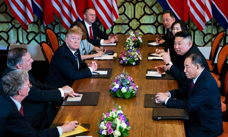 Mỹ và Triều Tiên đàm phán tại hội nghị thượng đỉnh lần hai ở Hà Nội ngày 28/2. Ảnh: NYT.